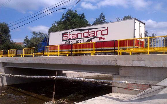 Constructii poduri rutiere si cai ferate cu fundatii directe sau coloane forate<br /><br /> Executam in conditii deosebite, lucrari medii si mari in intreaga tara.